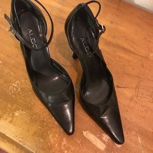 ALDO Black Pointy Toed Pump Size 8